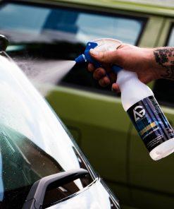 AutoGlanz Moonshine Glasreiniger Fahrzeugshine Anwendung