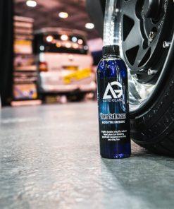 AutoGlanz Über Schwarz Reifenglanz Fahrzeugshine Anwendung